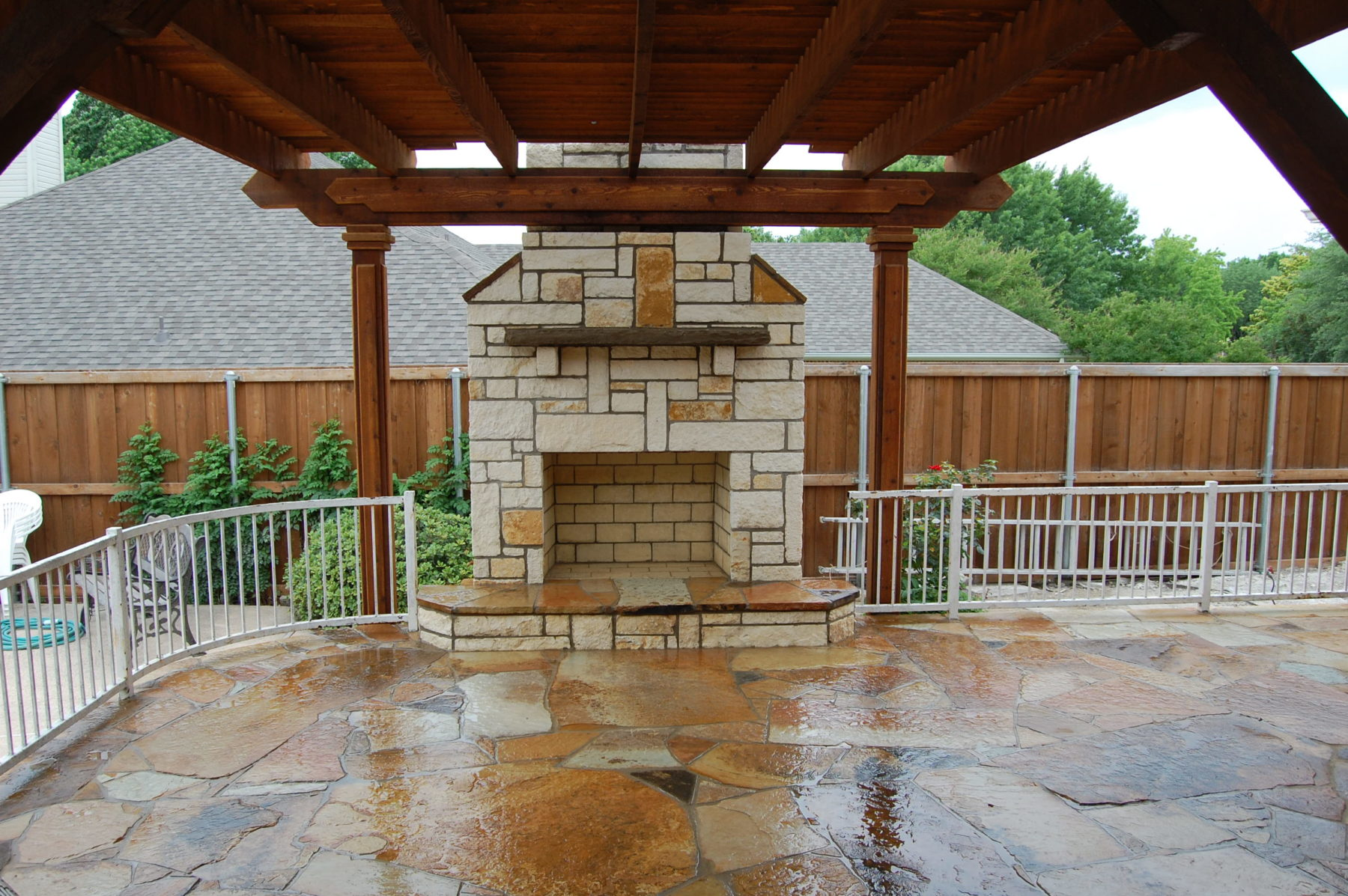 Custom patio designs flagstone custom patio designs for Custom backyard designs