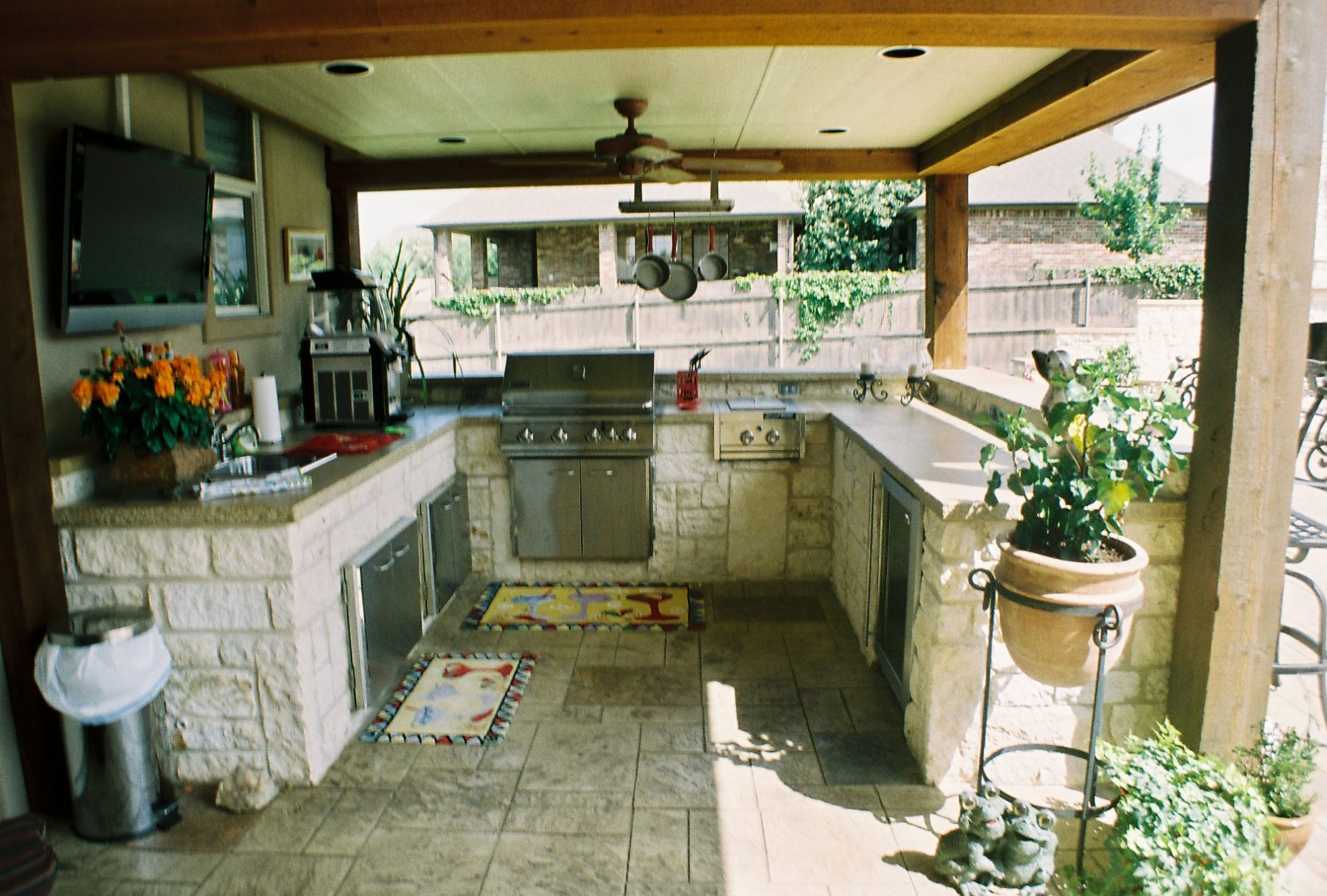 Outdoor kitchens custom patio designs forney tx for Texas outdoor kitchen designs